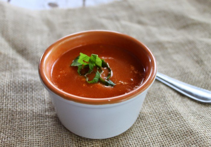 weight-watchers-creamy-tomato-basil-soup-horzontal