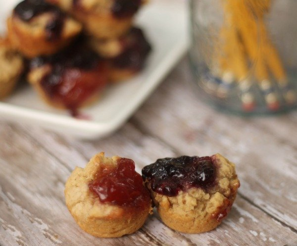 mini pbj muffins