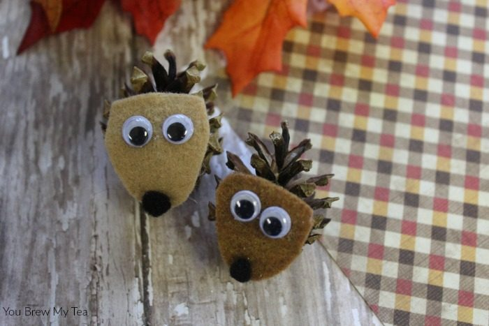 Fall Arts And Crafts for kids like this simple pinecone critters project are great for homeschool crafts and fun fall decor!