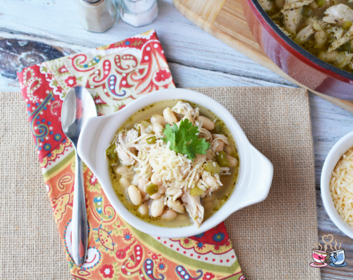White Bean Turkey Chili is a Weight Watchers friendly soup recipe that everyone will love!  This fast and easy recipe uses leftovers with only 6 SmartPoints!