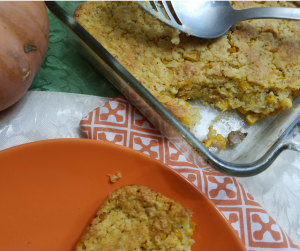 Weight Watchers Cornbread Recipe for easy and delicious side to go with chili, soup, and stew! Make this for just 4 SmartPoints on FreeStyle!