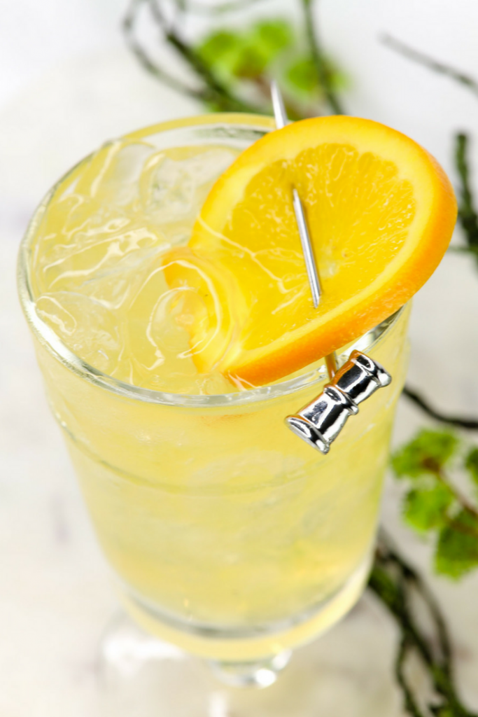 Make our Skinny Orange Mango Spritzer for Zero Points on the Weight Watchers FreeStyle Plan! This is a new favorite summer drink that everyone will love!