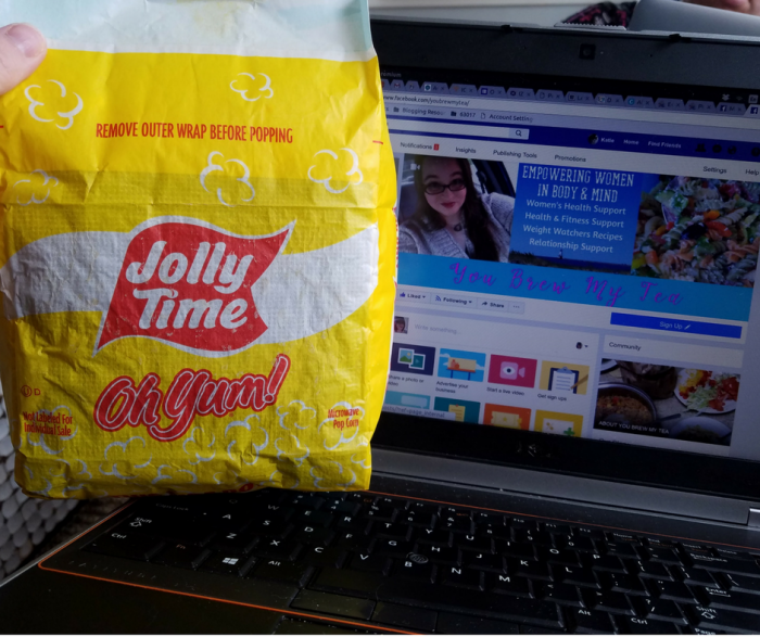 JollyTime Popcorn is a great 3 SmartPoint FreeStyle Snack on Weight Watchers!