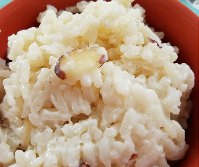 Make our Skinny Rice Pudding Recipe in just minutes!  This easy Weight Watchers FreeStyle Dessert recipe is only 6 SmartPoints per serving and delicious!