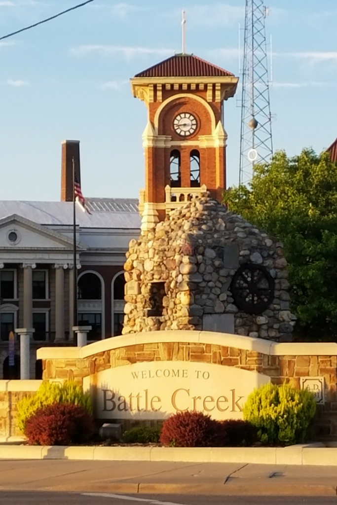 Check out our list of Must See Attractions in Battle Creek, Michigan! Central Michigan is full of beauty and great hotspots that are family friendly! From lakes and beaches to festivals, Battle Creek is an amazing vacation destination!