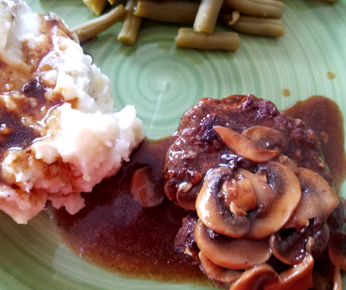 Salisbury Steak Recipe is a perfect idea for Weight Watchers FreeStyle Meal Planning! It is delicious, lean, and only 5 SmartPoints per serving! Served with or without mushrooms for your preferences!
