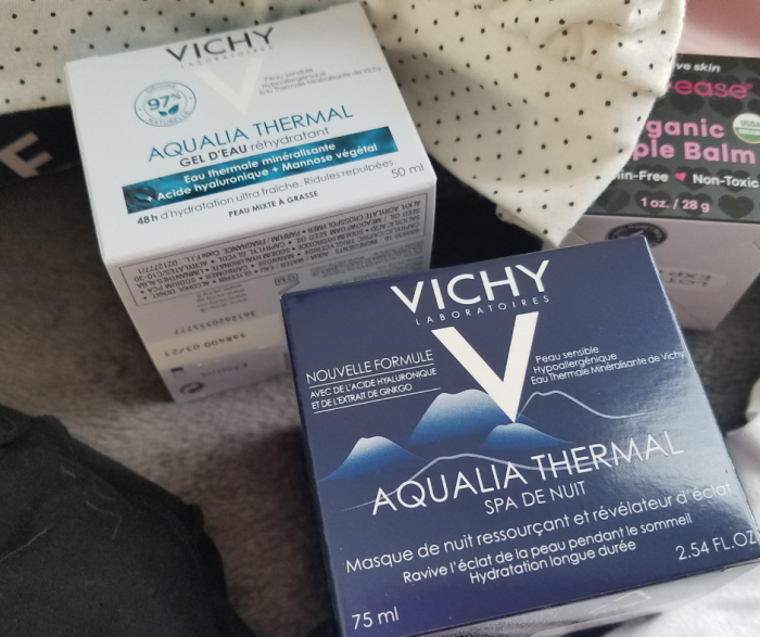 Hide those wrinkles and help make sure your skin is well-hydrated with these VICKY Aquaila Gel and Night Cream products. A perfect addition to a new mom skin care routine, these products make your skin defy the lack of sleep!